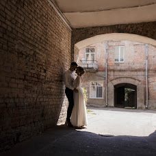 Wedding photographer Olya Poduta (olavolina). Photo of 24.08.2018