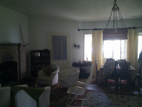 Photo: One of several hectagonal rooms in the Star House