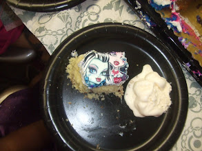 Photo: Kaleya specifically wanted Frankie's face as her piece of cake