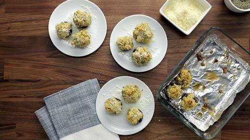 Rich and Crispy Cracker-Stuffed Mushrooms