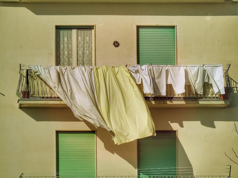Il bucato (che asciuga prima) di Roberta Ricciardi