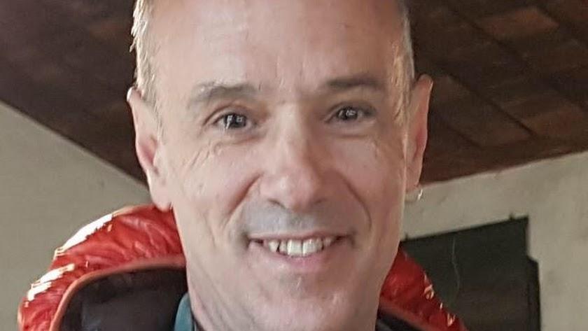 Fallece el médico Francisco Peralta en un accidente de coche en Iznalloz