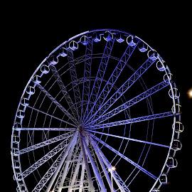 Au Dhabi Fairy Wheel by Nadeem M Siddiqui - City,  Street & Park  Amusement Parks