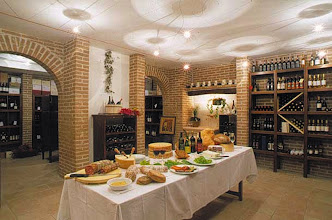 Photo: Degustazioni di vini e prodotti locali in cantina