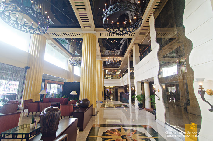 The Heritage Hotel Manila Lobby