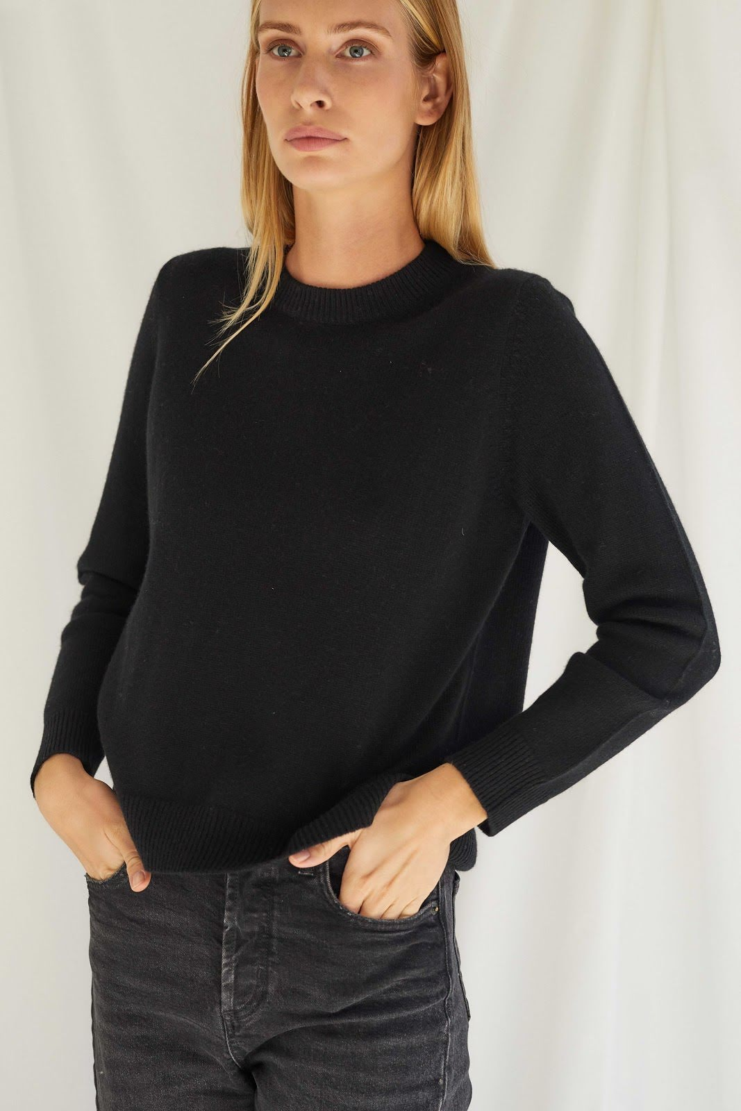 Straight O-neck Sweater