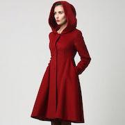 К чему снится красное пальто?