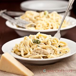 Creamy, Cheesy Fettuccine Alfredo (with Chicken)