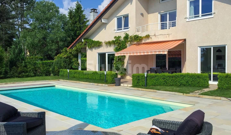 Maison avec piscine et jardin Thoiry