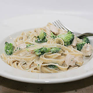 Easy Chicken & Broccoli Alfredo.