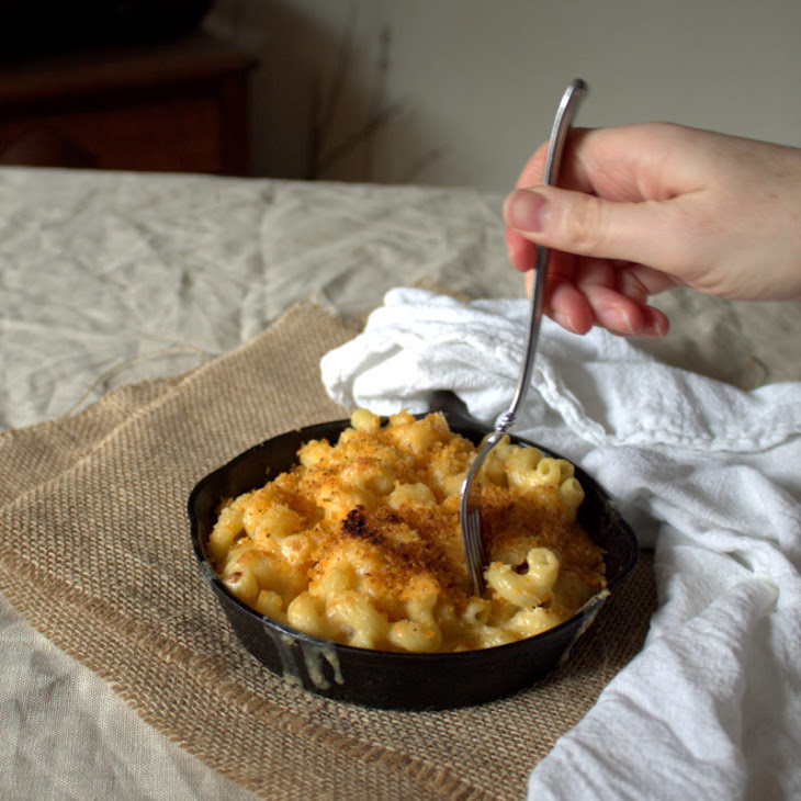 Smoked Gouda Mac and Cheese with Spicy Panko Recipe
