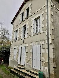 maison à Saint-Varent (79)