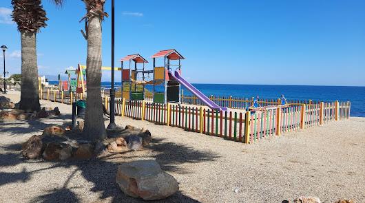 Reabren las pistas deportivas y los parques infantiles de Mojácar