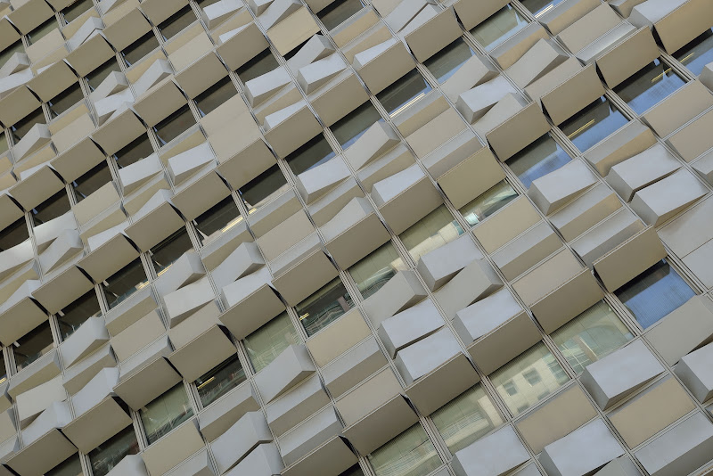 Diagonali urbane  di Matteo Faliero