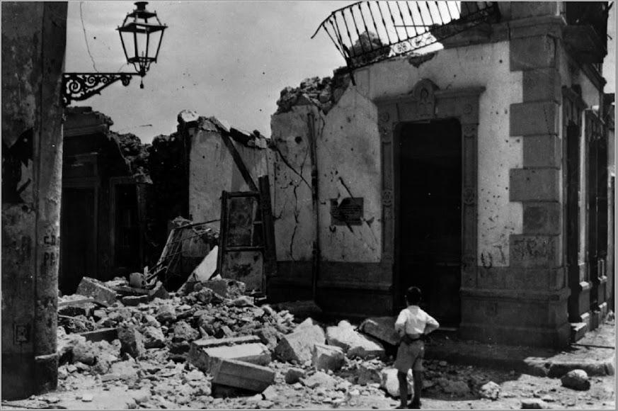 Vivienda derrumbada tras el bombardeo nazi