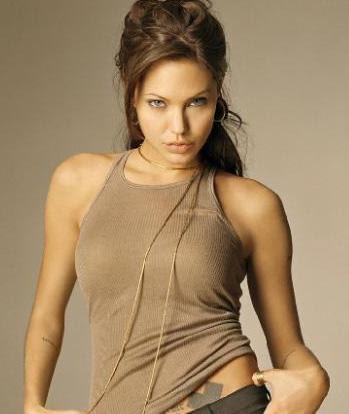 Yabancı Ünlü Kadınların Boyları - Angelina Jolie