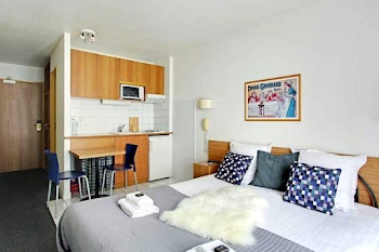 Les Lilas 101 Serviced Apartment, Champs Elysees