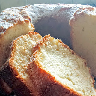 Old Fashioned 1-2-3-4 Pound Cake {Heirloom Recipe}.