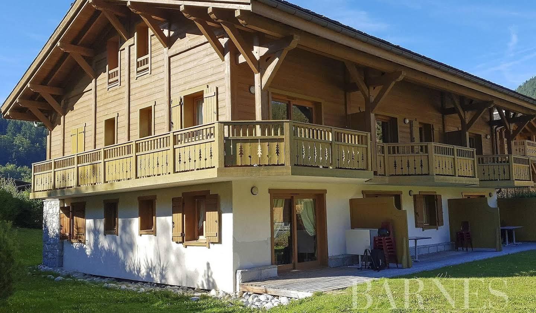 Appartement avec terrasse et piscine Les Houches