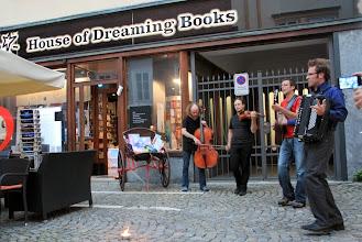 Photo: Uvertura z Brencl Bando pred Hišo sanjajočih knjig na Trubarjevi.  Foto: Manca Čujež/Sanje
