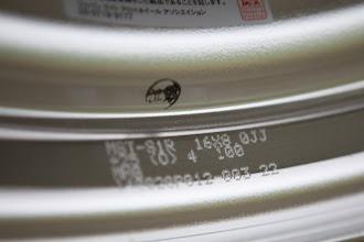 Photo: WORK Meister S1R 16×8J 有限会社エバーグリーンコーポレーション http://www.ac.auone-net.jp/~ever_g/index.html