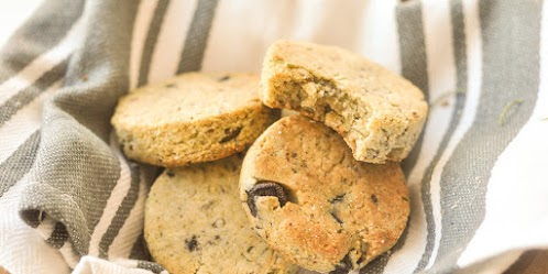 Almond & Olive Biscuits