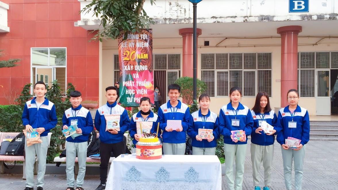 ICC Hà Nội tổ chức sinh nhật cho Học viên sinh nhật Tháng 12