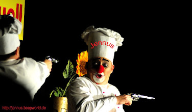 Photo: Clownerie im Schlosspark Ludwigslust