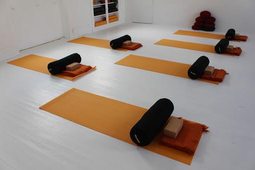 Le studio de yoga équipé