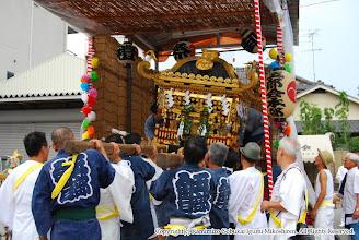 Photo: 【平成19年(2007) 本宮】 お仮屋より神輿を引き出す。