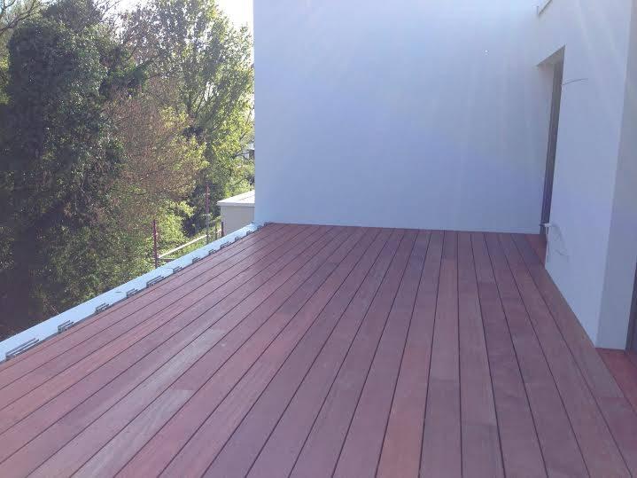 Terras afwerking hout - Project van 48 nieuwbouw appartementen