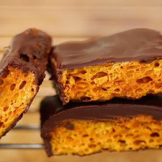 Homemade Honeycomb & Cadbury Crunchie Bars