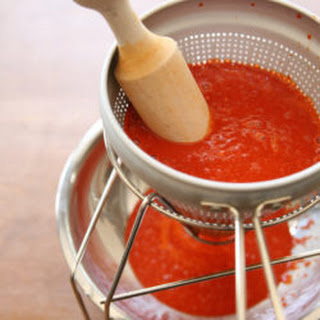 Homemade Red Chile Sauce (Chile Colorado).