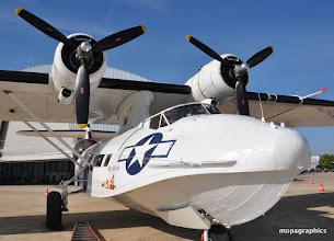 """Photo: La bouille du Cat ! Le Consolidated PBY """"Catalina"""" avec son aile """"parasol"""", ses deux Pratt & Whitney R-1830 de 1200 cv"""