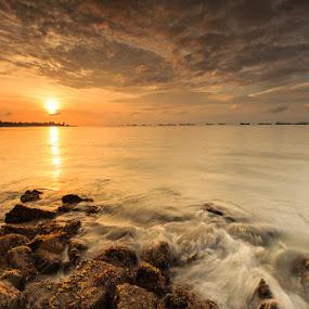 sunrise by Sherry Zhao - Landscapes Sunsets & Sunrises ( sunrise, singapore )