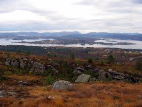 Photo: Utsikt med Lerøy midt i bildet