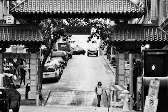Photo: Gate to chinatown