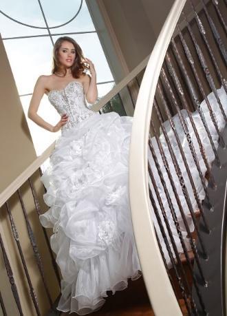 https://davincibridal.com/uploads/products/wedding_gown/50133AL.jpg