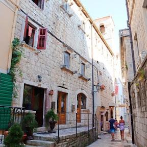 モンテネグロを代表する観光地 世界遺産の町コトルでしたい5つのこと