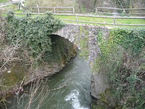 Photo: El puente medieval de Campomanes
