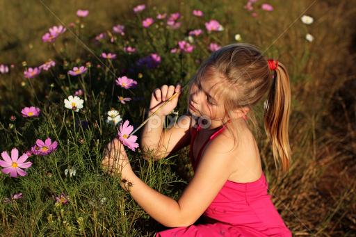Painting flowers | Child Portraits | Babies & Children | Pixoto