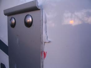 Photo: Al apretar desde el interior, el Sika se expande.