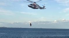 Imagen de archivo de uno de los rescates llevados a cabo este año en playas almerienses.