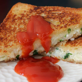 Grilled Cheese Sandwich Recipe Made With Paneer & Potato