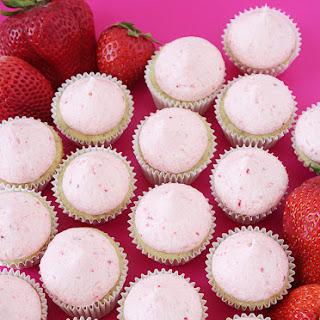 Strawberry Banana Mini Cupcakes