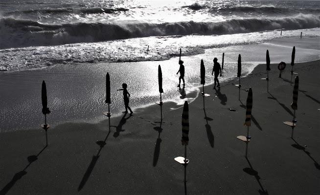 ombre e ombrelloni di G.Papagno