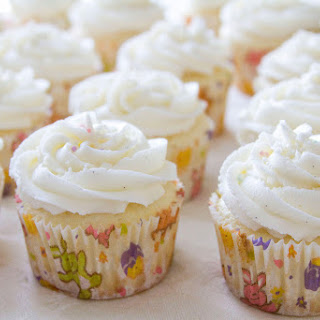 Lemon Cupcakes with Lemon Curd Filling and Lemon Buttercream Frosting