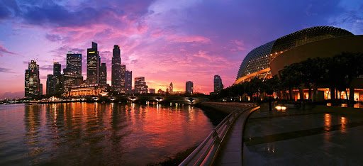 bay-area-sunset-Singapore.jpg - A red-tinted sunset over Singapore's  beautiful bay and skyline.