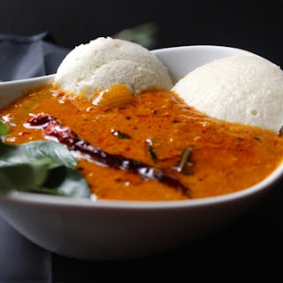 Vengaya Sambar (Sambar with Onions).