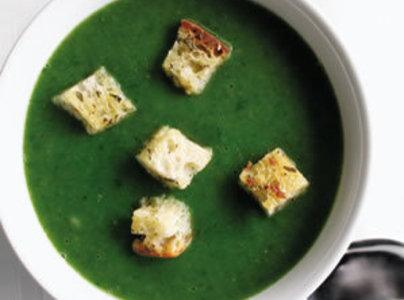 Mozzerella Grilled Cheese Croutons On Spinach Soup Recipe